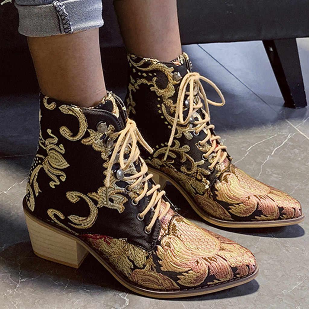 สไตล์ผู้หญิงรองเท้าเชลซีเย็บปักถักร้อยชาติพันธุ์ฤดูหนาวข้อเท้า Boot ลูกไม้ขึ้นชี้ Toe ส้นสูงรองเท้าคาวบอย Botas Mujer retro