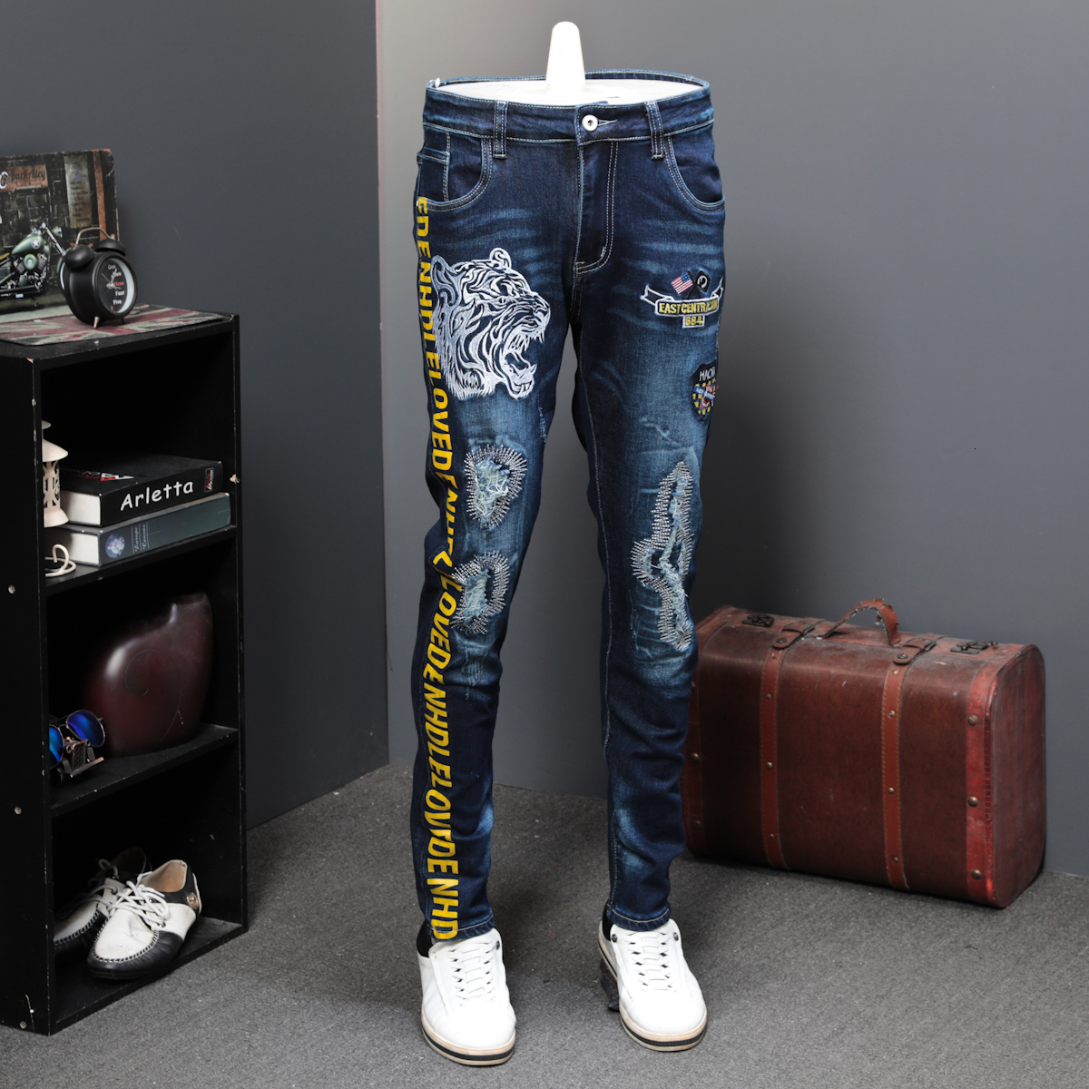Autumn Holes Patch Jeans Male Elastic Tiger Head Leisure Time Tide Brand Designer Jeans Long Pants Embroidery Printing Tide