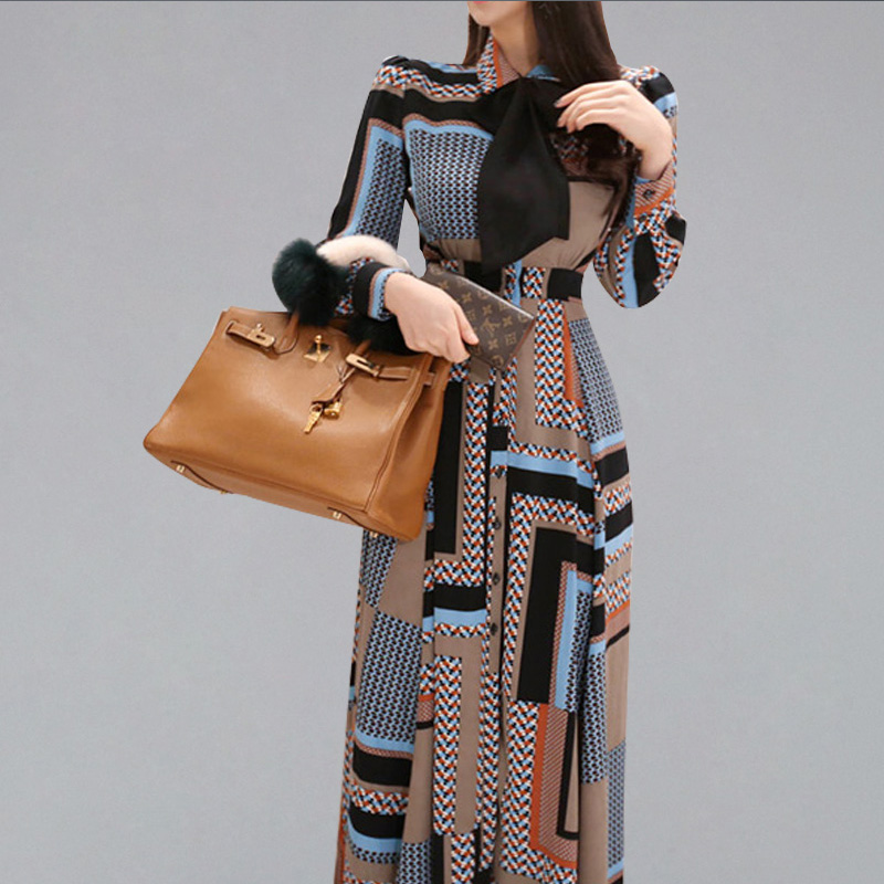 2019 European Station Early Autumn New Women's Catwalk Fashion Geometric Stripes Contrast Color Printed Slim Dress