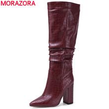 MORAZORA Plus rozmiar 34-43 nowe markowe buty damskie grube szpilki jesienne buty zimowe kowbojskie zachodnie buty do kolan damskie buty tanie tanio CN (pochodzenie) Mikrofibra Podkolanówki Plisowana Stałe SKW4709 Dla dorosłych Plac heel Zachodnia Krótki pluszowe Szpiczasty nosek