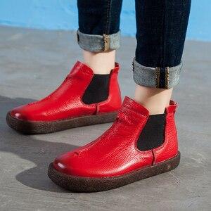 Image 1 - 2020 femmes angleterre Style flambant neuf femmes en cuir véritable bottes plates chaussures pour dame automne bottines hiver rétro Martin bottes