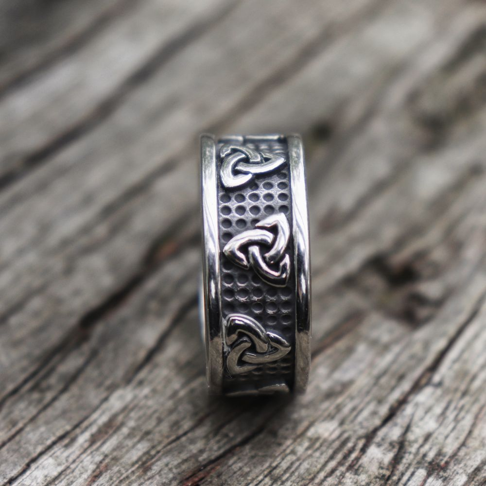 Viking Knot Trinity Ring