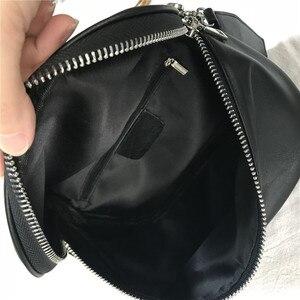 Image 5 - Pndmeカジュアルファッション本革女性の胸バッグソフト牛革シンプルな黒女性のメッセンジャーバッグ女性光のウエストパック