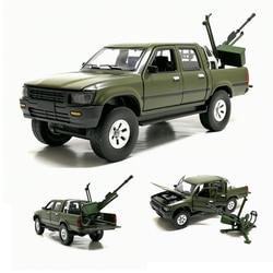 1/32 Toyota Hilux грузовик с анти-резервуаром, отлитый под давлением металлический автомобиль, игрушки, звуковое освещение для детей, подарки с кор...