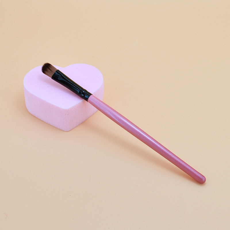Hot Sale 1pcs Eye Makeup Brushes Eye Shadow Eyeliner Eyelash Lip Make Up Brush Soft Head Wooden Handle Cosmetic Beauty Tool Kit