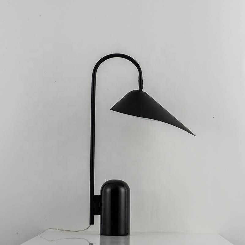 Black Iron Lotus Leaf Marble Base Table Lamp Dask Lamp Luminaria De Mesa