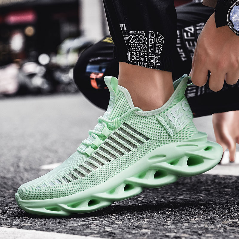 2019 Hot Sale Running Shoes For Men Light Green Big Boy Sport Shoes Mesh Breathable Mens Running Shoes Size Gym Sneakers Men