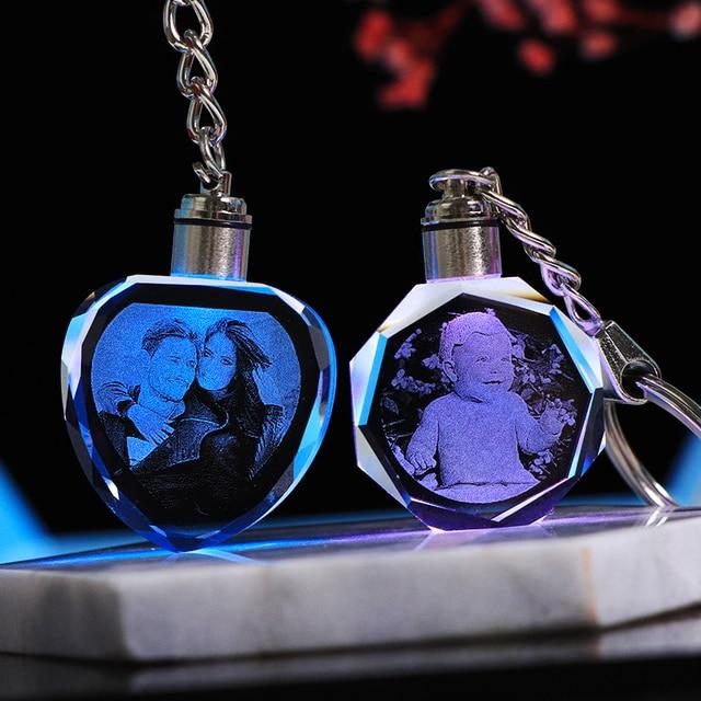 Niestandardowy K9 kryształowy brelok spersonalizowane zdjęcie wisiorek obrazek brelok do kluczy grawerowany laserem LED Light brelok unikalny prezent