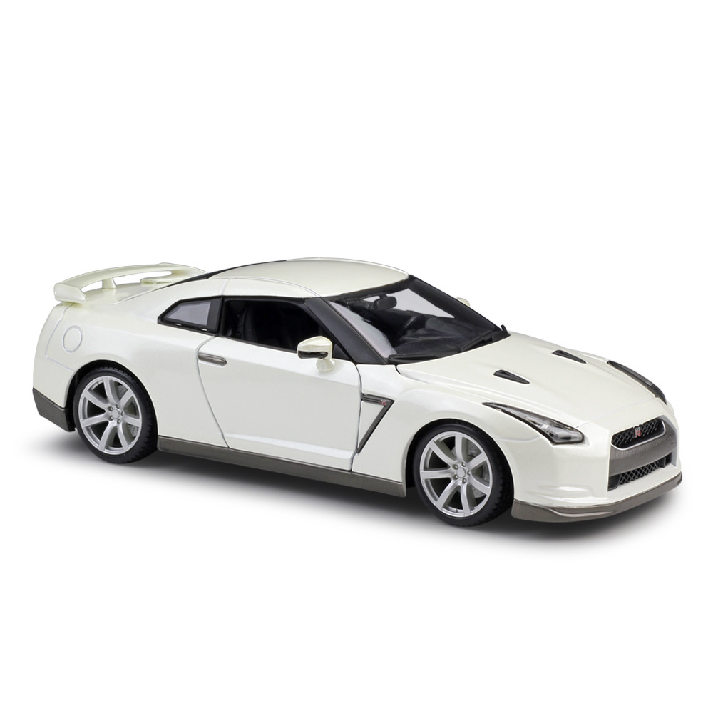 <font><b>1</b></font>/<font><b>18</b></font> 2009 Gt-r R35 Sports Car Alloy Diecast Model Simulation Metal Car Miniatures <font><b>Voiture</b></font> Mini Collection Toy Home Decoration image