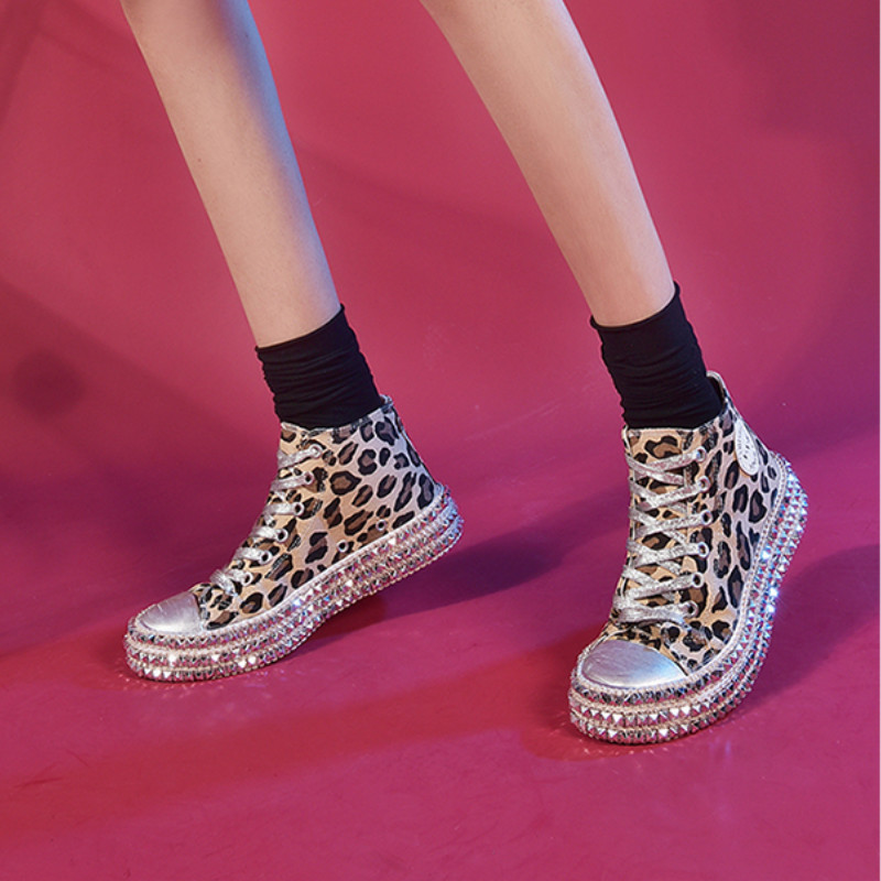 Autumn New Leopard Flat Canvas Shoes Rivet Female Korean Version Of The Wild Board Shoes Shoes Harajuku Ulzzang Women's Shoes