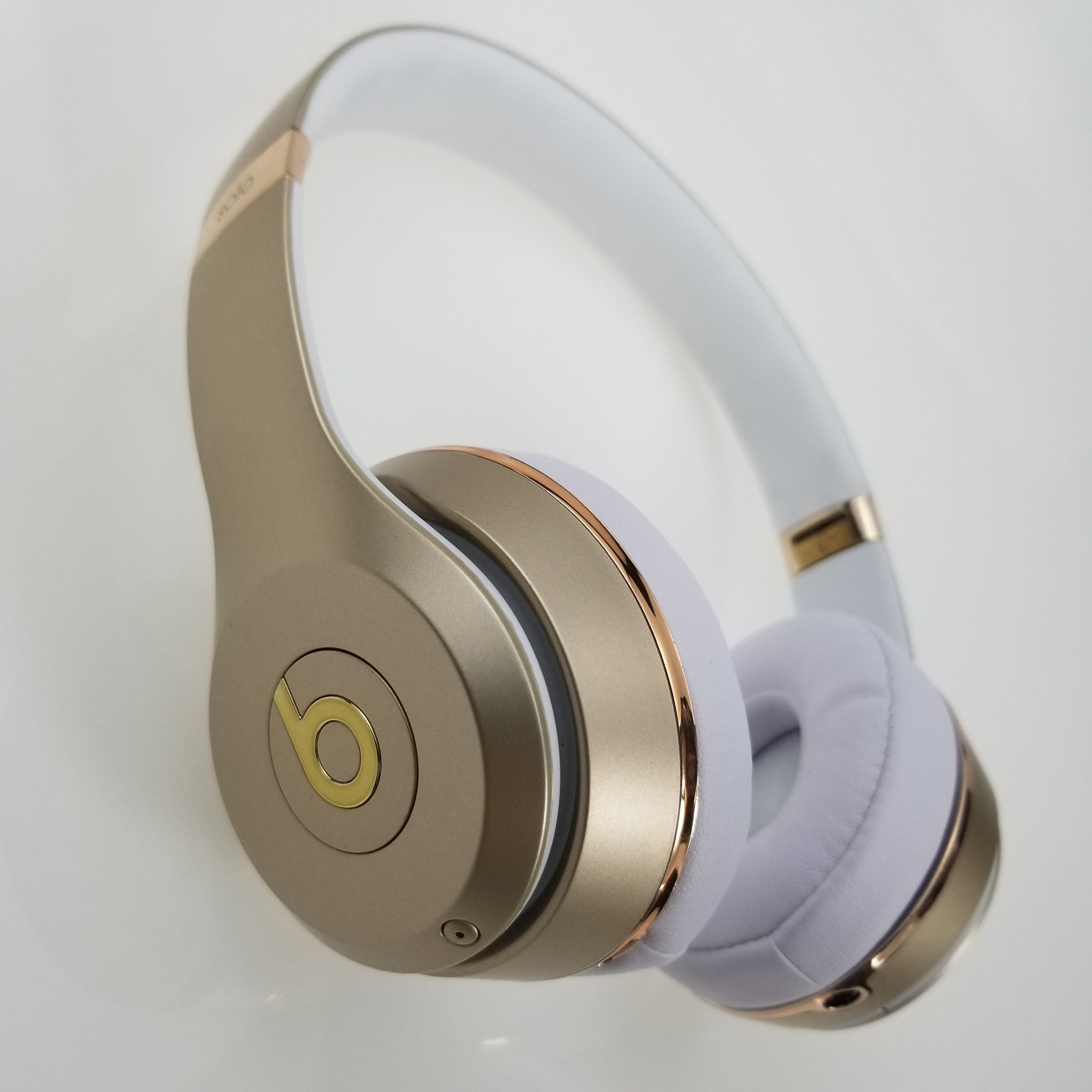 Beats Solo Original Over-Ear Headset Hands-free Wireless Bluetooth Headphone Music Fast Charge Anti Noise 003