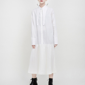 Image 2 - [EAM] kobiety czarny plisowany z rozcięciem wspólne charakterystyczna koszula sukienka nowa z klapami z długim rękawem luźny krój moda wiosna jesień 2020 1N038