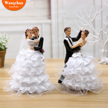 Resin Wedding Cake Topper Doll Romantic Bride and Groom Figurines Funny Toppers Decoration Party Supplies