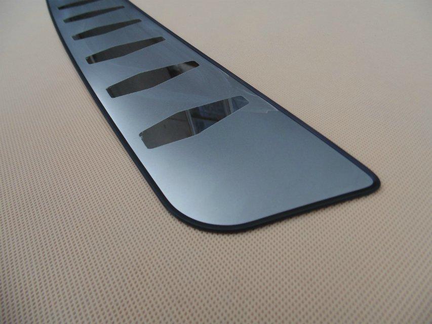 Lxzy Acier Inoxydable Protecteurs de Pare-Chocs Arri/ère de Voiture pour Suzuki Swift 2005-2017,Plaque de Seuil de Coffre Arri/ère Protection Anti-Rayures Couvercle De Garniture Accessoires