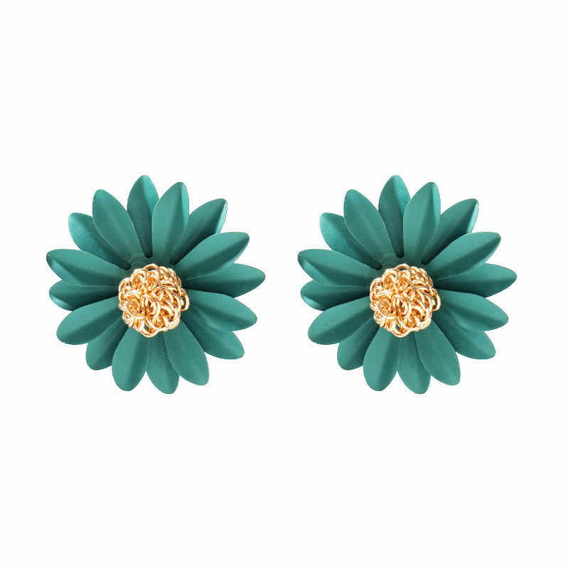 Korean Sun Flower Earrings for Women metal Cute Small Daisy Stud Earrings Fashion Jewelry Wholesale
