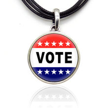 Голосуйте за Дональда Трампа модные кулоны предвыборные лозунги
