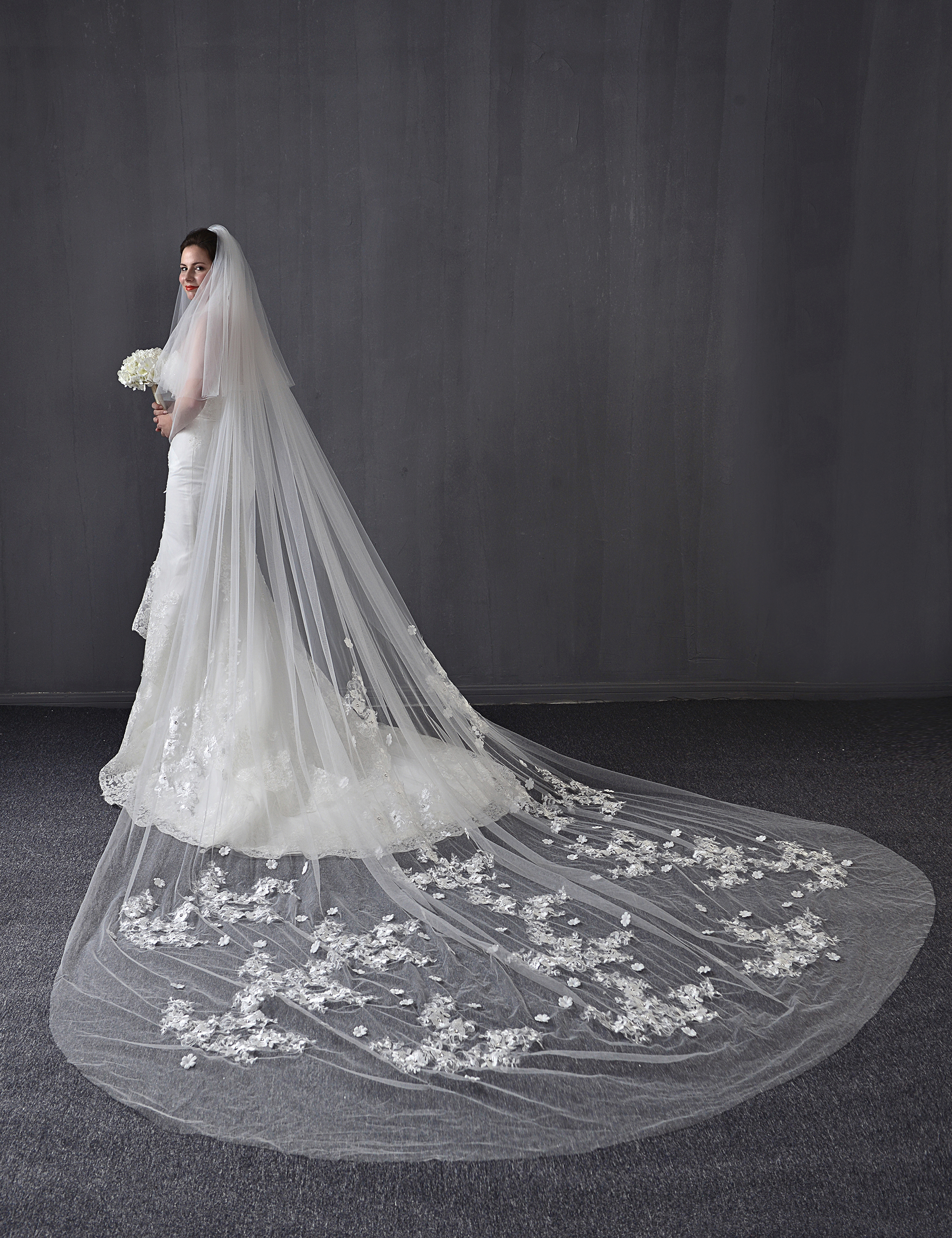 4 M 3D Floral Beading Cathedral Wedding Veils Bridal Wedding Veils Flower Lace Two Tiers Wedding Veils White Ivory Custom