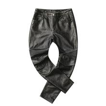 شحن مجاني ، 2019 العلامة التجارية الرجال جديد جلد طويل السراويل المضافة حامي. خمر برو موتور السائق جلد طبيعي السراويل. زائد