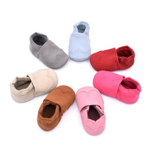 Soft Sole Baby Shoes Cute Cotton Fabric Baby Newborn Crib Shoes Non-slip Slip-on Baby Boy Girl Prewalker Shoes First Walkers