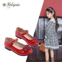 Anne ve Çocuk'ten Deri Ayakkabılar'de Kalupao çocuk ayakkabı moda deri çocuk sandalet prenses ayakkabı aşk Glitter parti ayakkabıları çocuklar için pembe kırmızı siyah ayakkabı