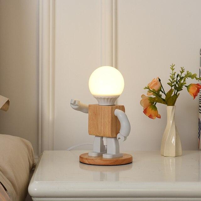 Фото деревянная светодиодная лампа в виде робота настольная украшение цена