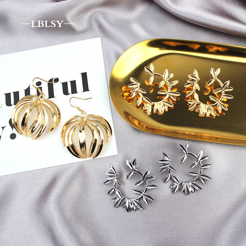Zara* Women 2019 New EARRINGS Metal Semi-circular Cc Jwewlry Earrings Women Korean Cc Earrings Boucle D'oreille Femme 2019