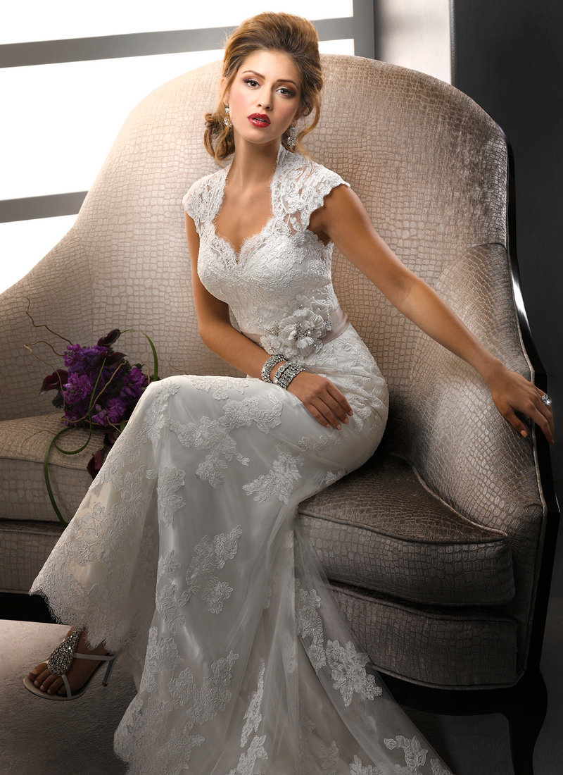 2018 Sexy Lace Ribbon Vestido De Noiva Sweetheart Cap Sleeve Open Back Lace For Brides Bridal Gown Mother Of The Bride Dresses