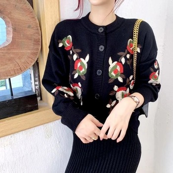 cardigan passioni cardigan Retro Jacket Female Knitted Cardigan Loose Flower Embroidery Thickening Warm All-match Sweater Cardigan Sweater Cardigan