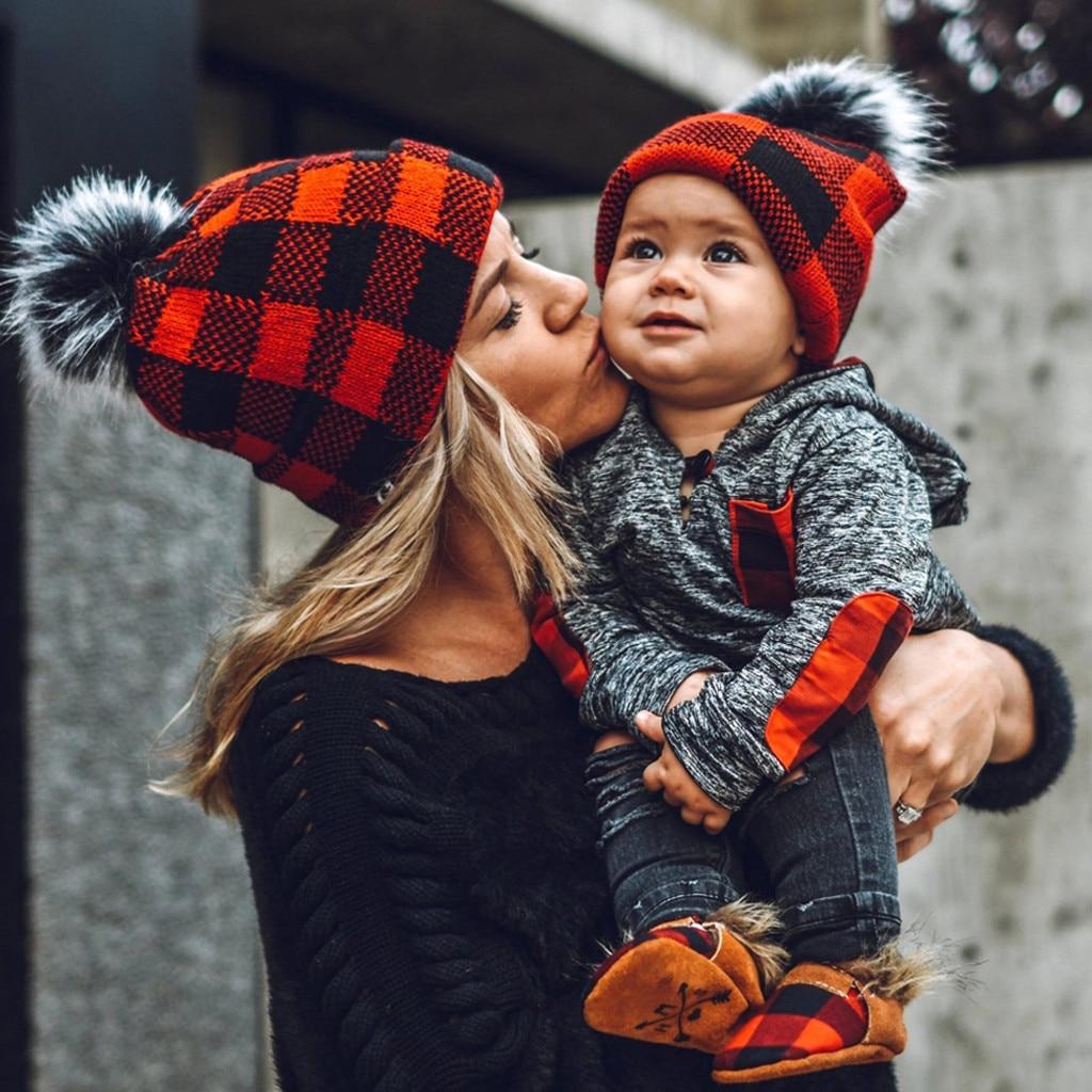ファッションの冬の女性と子供ウール肥厚冬ニット帽子ポンポンpoms帽子ソフト赤ちゃんの冬のクリスマス暖かいキャップ2020