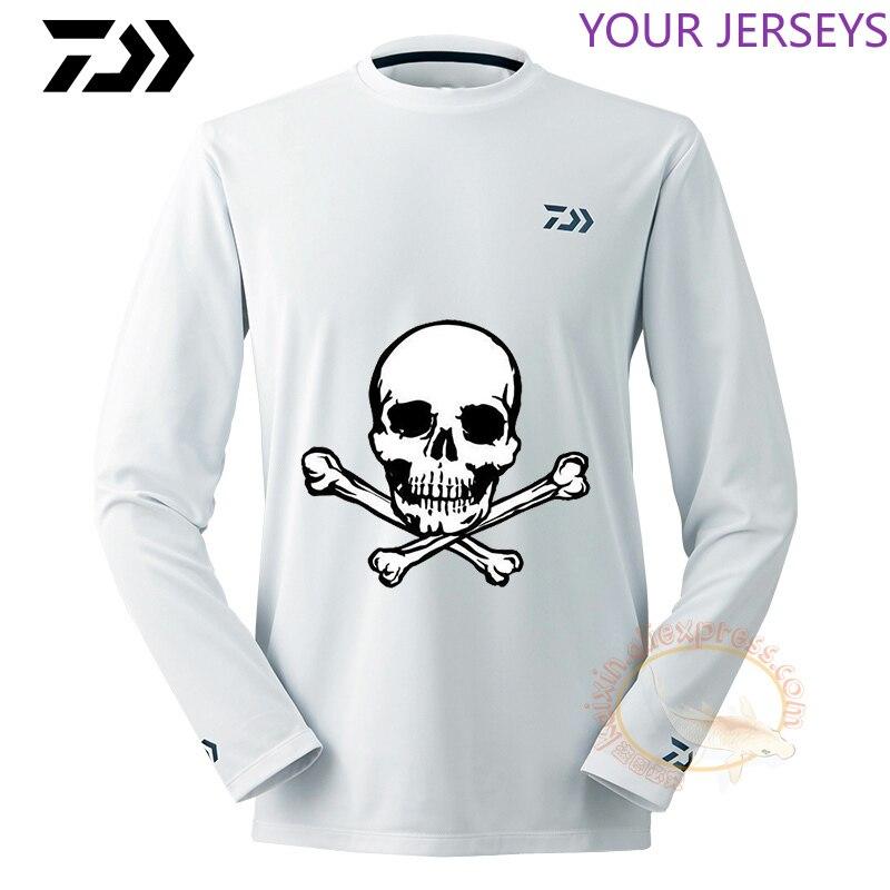 Spor ve Eğlence'ten Balıkçılık Giysileri'de 2020 yeni Daiwa yaz Daiwa erkekler balıkçılık gömlek nefes higroskopik hızlı kuru Anti UV balıkçı kıyafeti XS 5XL sürme Jersey title=