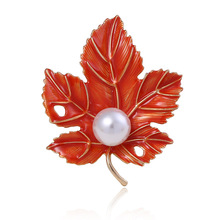 Young Tulip red color Maple leaf shape brooch elegant pearl brooch new design fashion gifts creative plant shape brooches цена 2017