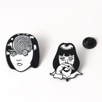 Mia Wallace Tomie brooch 끔찍한 일본 애니메이션 에나멜 핀 Junji Ito Horrow 만화 얼굴 배지 옷깃 핀 브로치 여성 남성용