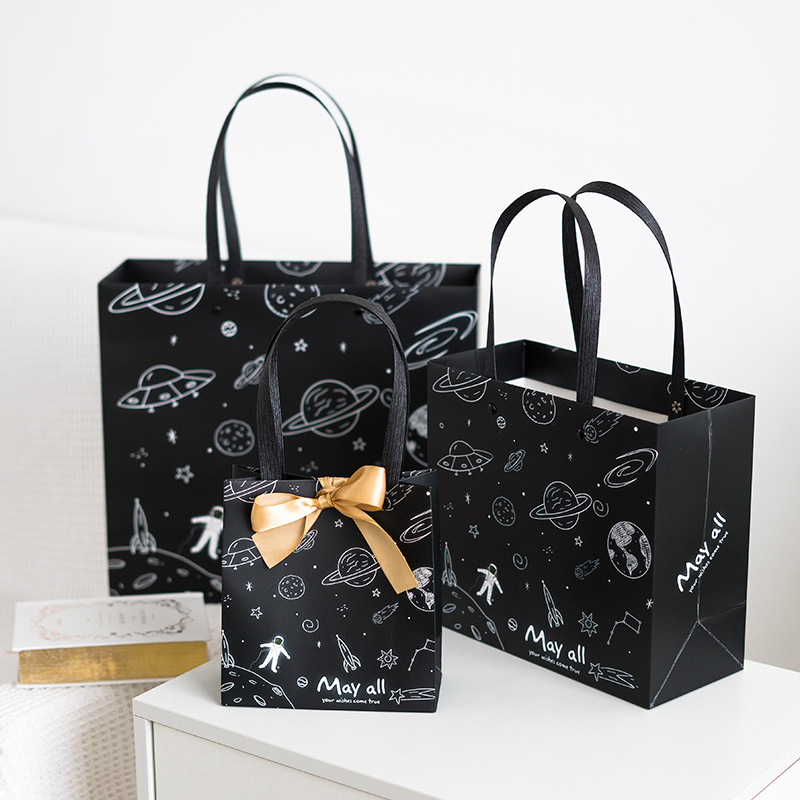 1pc Starry Sky Astronaut Kraft Paper Exquisite Gift Bag With Handles Gift Box For Clothes Wedding Birthday Party Decor Packing