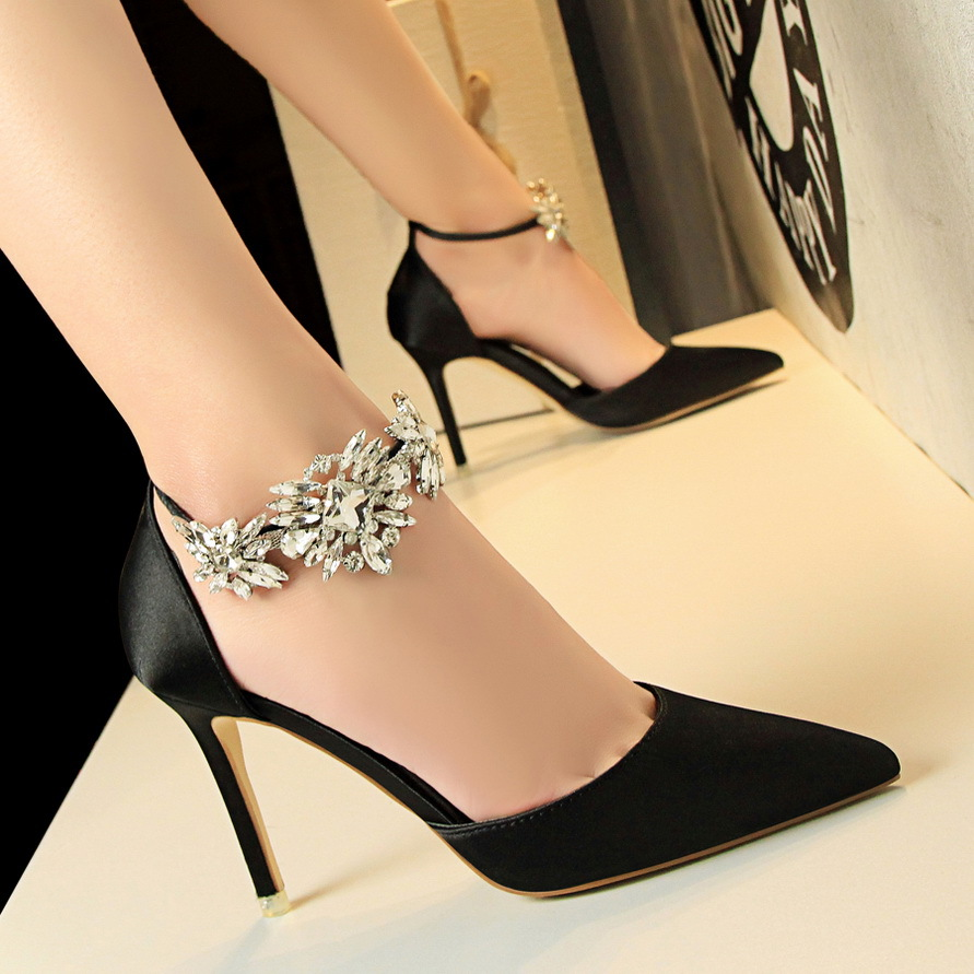 2020 High Heels Shoes Pumps Quality Shoes Flower Crystal Rhinestone Satin Wedding Shoes Woman Pumps Thin Heel Shoes Ladies Shoes