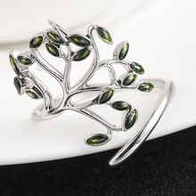 New Fashion Beautiful Women Silver Wedding Engagement Ring Green Peridot Ring Opening Ring for Woman Girl Simple Jewelry