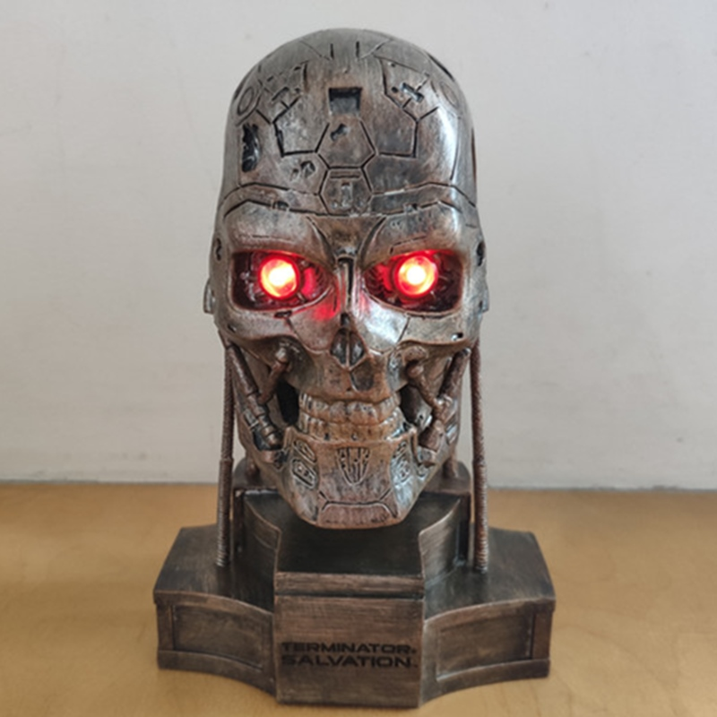 Terminator T-600 Robot Head Statue Eye Have Light 10cm Box-Packed Action Figure Collection Model Toys Y1125