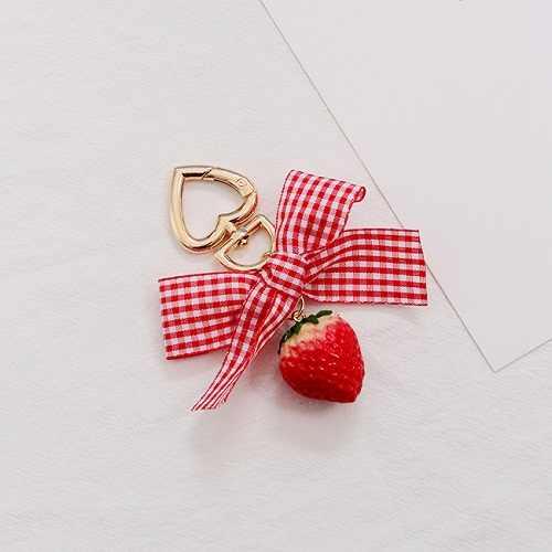 Nuevo llavero de corazón rojo de fresa 2019 para mujer, joyería de chica, fruta simulada, llavero, llavero, regalo de mejor amigo