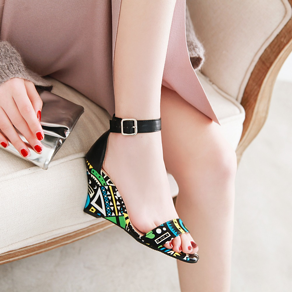 Women's Sandals Feet Length 22-26.5 Cm Oversized Code Pu Wedges Print Graffiti Totem Tradition Sandals Fashion Europe America