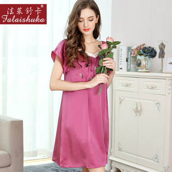 Sexy V-neck edge nightdress short sleeves 100% silk women sleepdress elegant butterfly embroidery quality nightgown for women