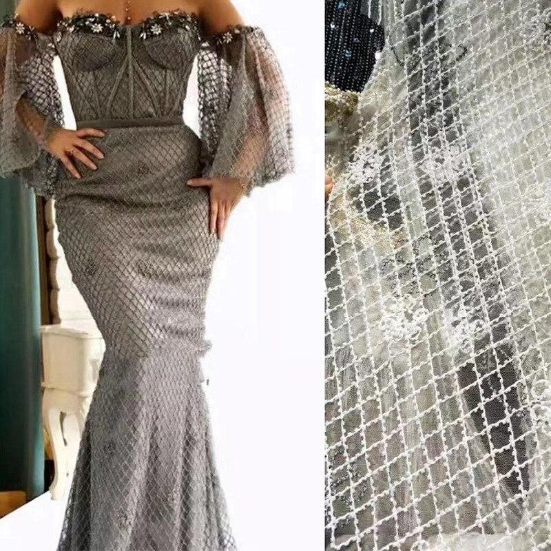 Tissu multicolore de paillettes de broderie perlée de maille pour la robe de mariage, tissu brodé par Cheongsam pour la robe