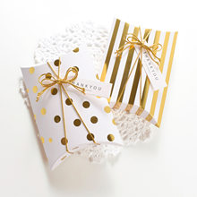 10 Pcs Della Caramella Cuscino Nastro Adesivo tag Box Decorazione di Cerimonia Nuziale Festa Di Natale Accessori Regalo di Imballaggio Scatole di Favore Box