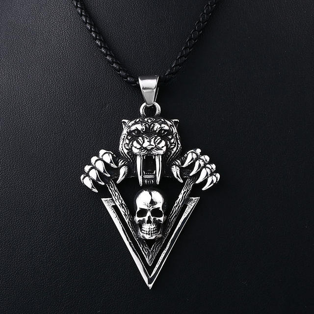 STAINLESS STEEL TIGER SKULL NECKLACE