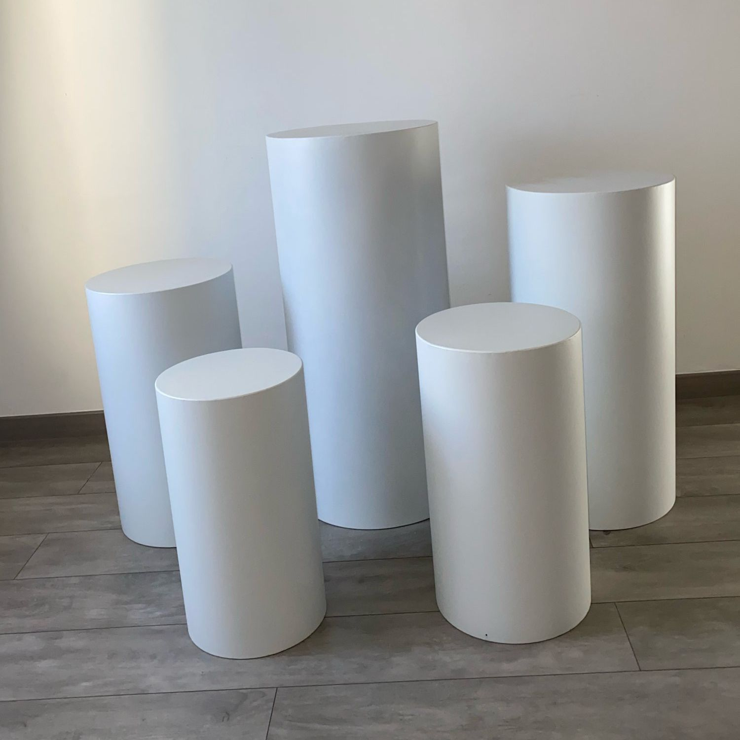 White New products Round Cylinder Pedestal Display Art Decor Plinths Pillars for DIY Wedding Decorations Holiday Party