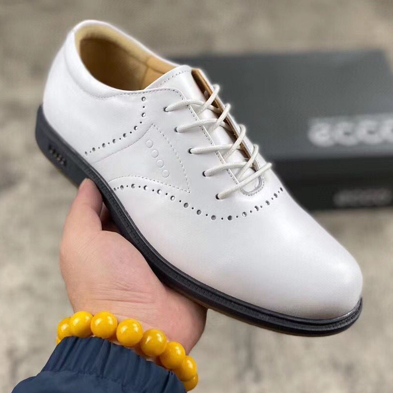 New Genuine Leather Golf Shoes Men Anti Slip Spikless Walking Shoes for Golfers White Black Golf Footwears Mens Sneakers