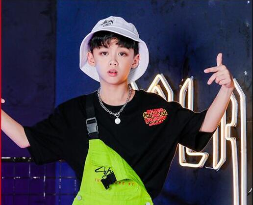 Детская танцевальная одежда в стиле хип-хоп для девочек и мальчиков, спортивная рубашка, топы, штаны на лямках, костюмы для бальных танцев, верхняя одежда - Цвет: Black Tshirt