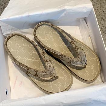 2020 nowa kobieta slajdy grubym dnem sandały na platformie miękkie w stylu Casual letnia wygodna kobieta mieszkania buty na plażę klapki Sandalias tanie i dobre opinie BuMRoch Płótno RUBBER Kapcie Med (3 cm-5 cm) 0-3 cm Pasuje prawda na wymiar weź swój normalny rozmiar soft slippers