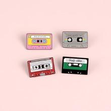 Vintage Cassette cinta esmalte Pin hermosa cinta broche Denim Jeans camisa bolsa Retro joyería regalo para amigos hombres mujeres