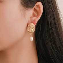 High Quality Korean Hot Selling Earrings Simple Imitation Pearl Face Geometric Interest Wholesale Green
