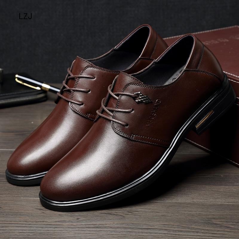 LZJ Nuovi 2019 Uomini Scarpe Formali Punta a punta Degli Uomini del Cuoio Genuino di Business Scarpe Oxford Scarpe Per Gli Uomini Pattini di Vestito Herren schuhe