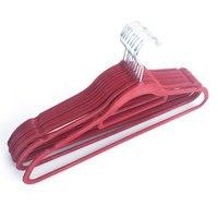 10 Pack Samt Kleidung Kleiderbügel Extra Starke für Hängen Mäntel und Jacke  nicht Slip Samt und Platzsparende  Chrom Haken-in Kleiderbügel & Gestelle aus Heim und Garten bei